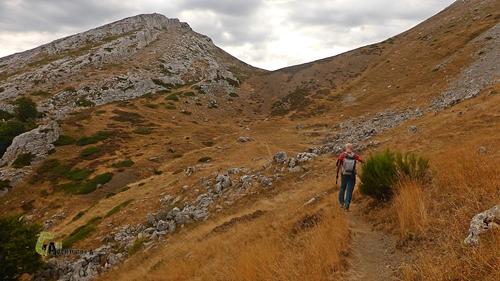 Hacia el pico Yordas